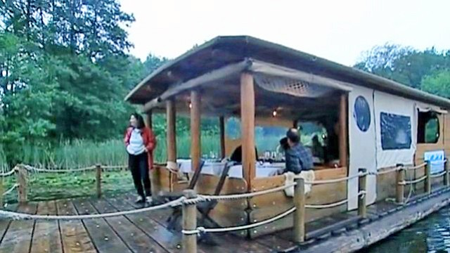 Hausboot-Skipper auf der Müritz