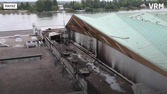 Mainz: Tag eins nach dem Brand der Rheingoldhalle