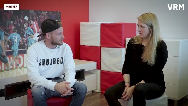 Wortpiratin rot-weiß: Interview mit Daniel Brosinski