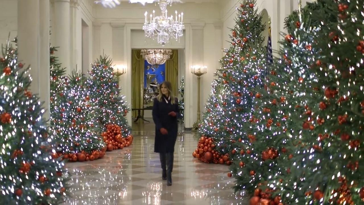 Weihnachtsdeko Im Angebot.Melania Trump Präsentiert Weihnachtsdeko Im Weißen Haus Video