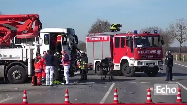 Büttelborn: Unfall zwischen zwei LKW - B42 voll gesperrt