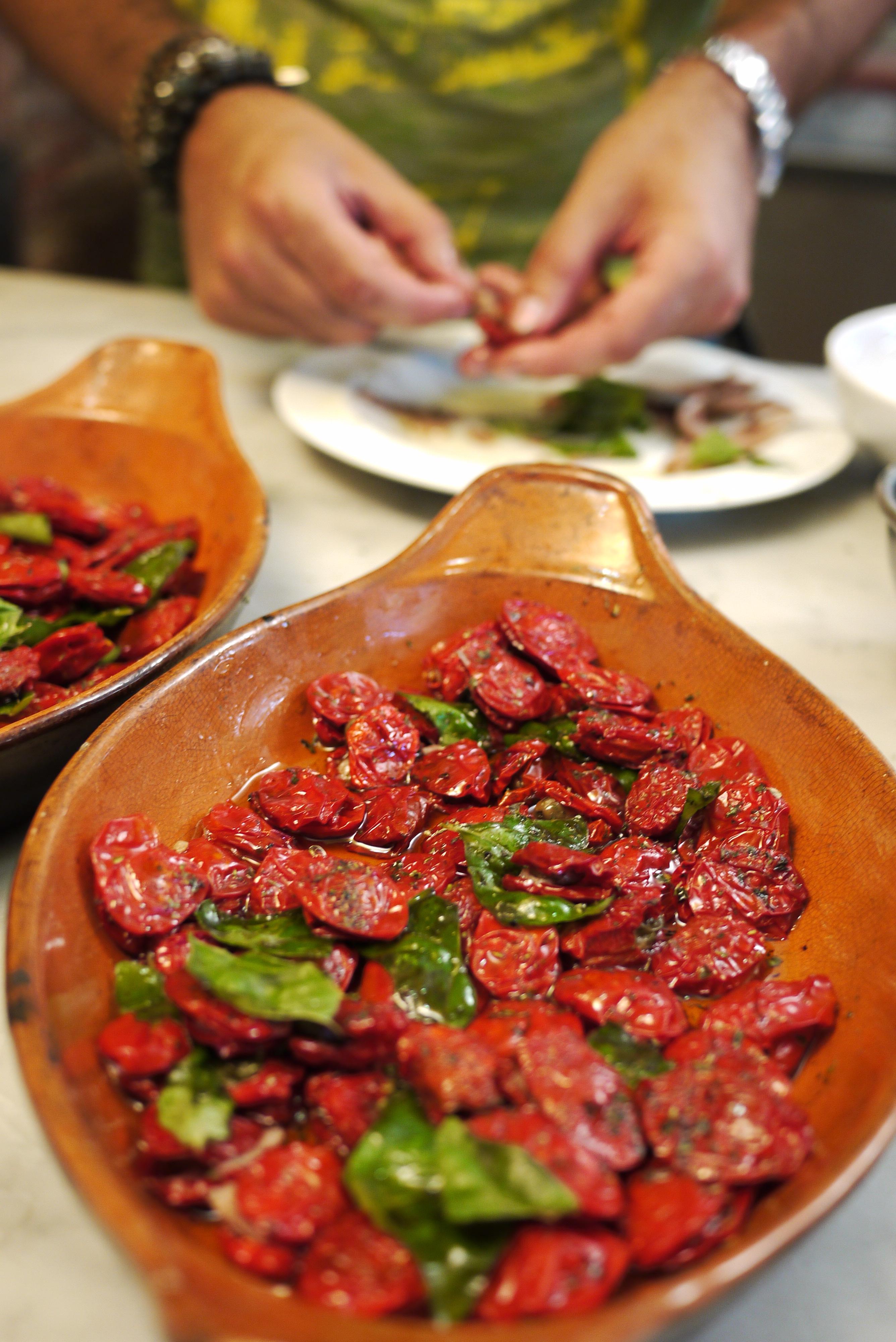 Sonnengetrocknete Tomaten mit Anchovies und Kapern