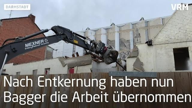 Abriss der Karstadt-Nebengebäude in Rüsselsheim