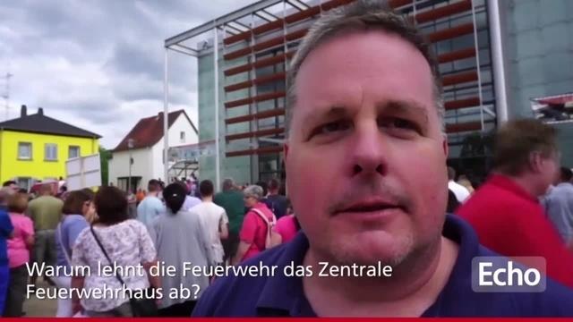Protest gegen Zusammenlegung der Feuerwehren aus Mörfelden und Walldorf