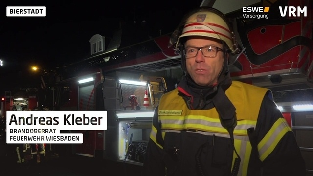Bei Brand in Bierstadt Mann von Dachterrasse gerettet