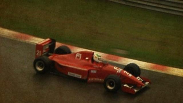 Hobbyrennfahrer im Formel-1-Auto