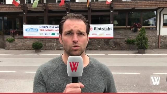 Neuzugang Jetro Willems im Eintracht Frankfurt Trainingslager in Gais