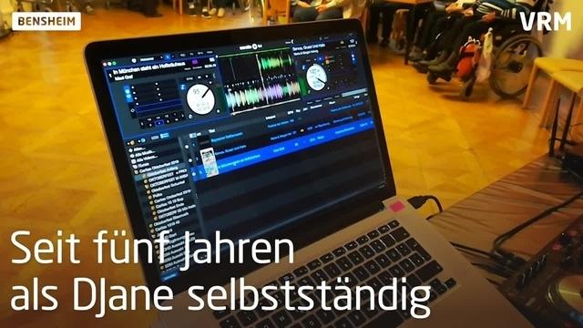 DJane Fräulein Marlene legt in Bensheim auf