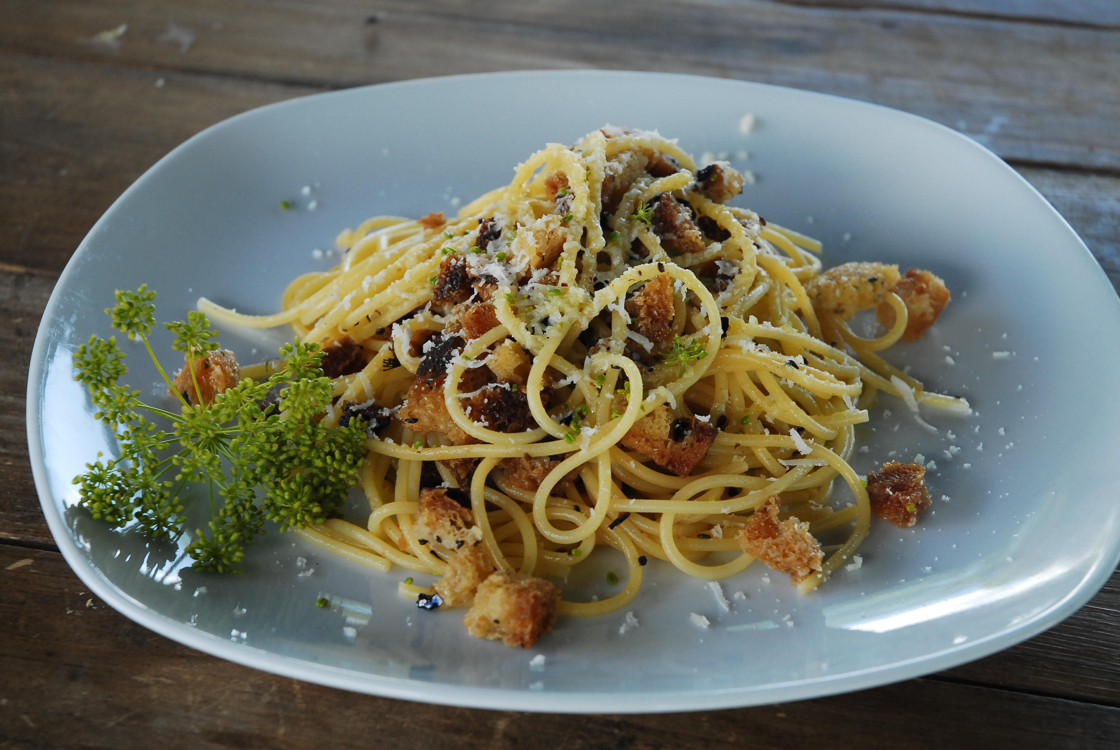 Spaghetti mit wildem Fenchel