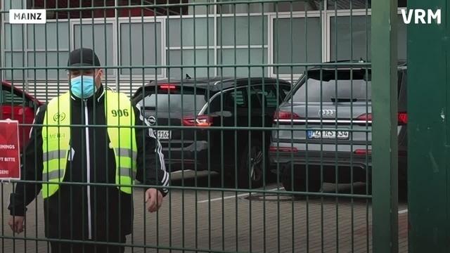 Mainz 05: Achim Beierlorzer verlässt Trainingsgelände