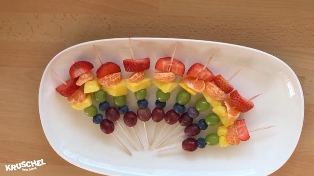 Mach mit: Regenbogen Obstspieße