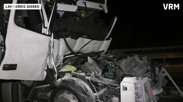 Lkw-Unfall auf der A5 Anschlusstelle Fernwald