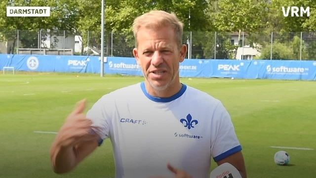 SV 98: Trainer Markus Anfang zum Trainingsauftakt