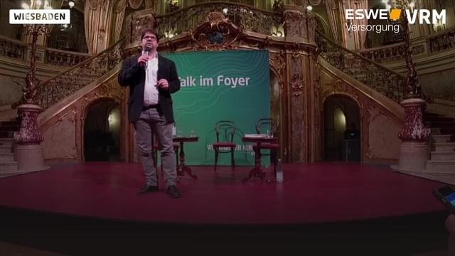 Talk im Foyer: Rededuell zur Wiesbadener Biennale