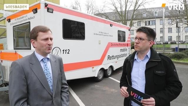 Schnelltest vor dem Asklepios Paulinen Klinik Wiesbaden