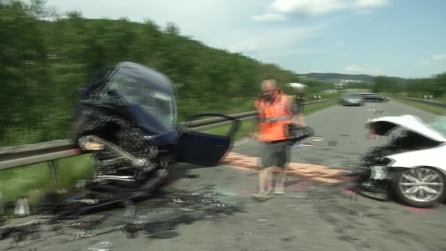 Unfall auf B 255 fordert drei Schwerverletzte