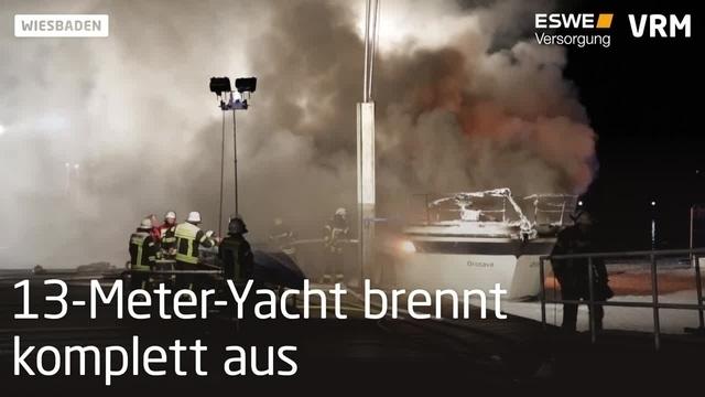 Yacht im Schiersteiner Hafen steht in Flammen