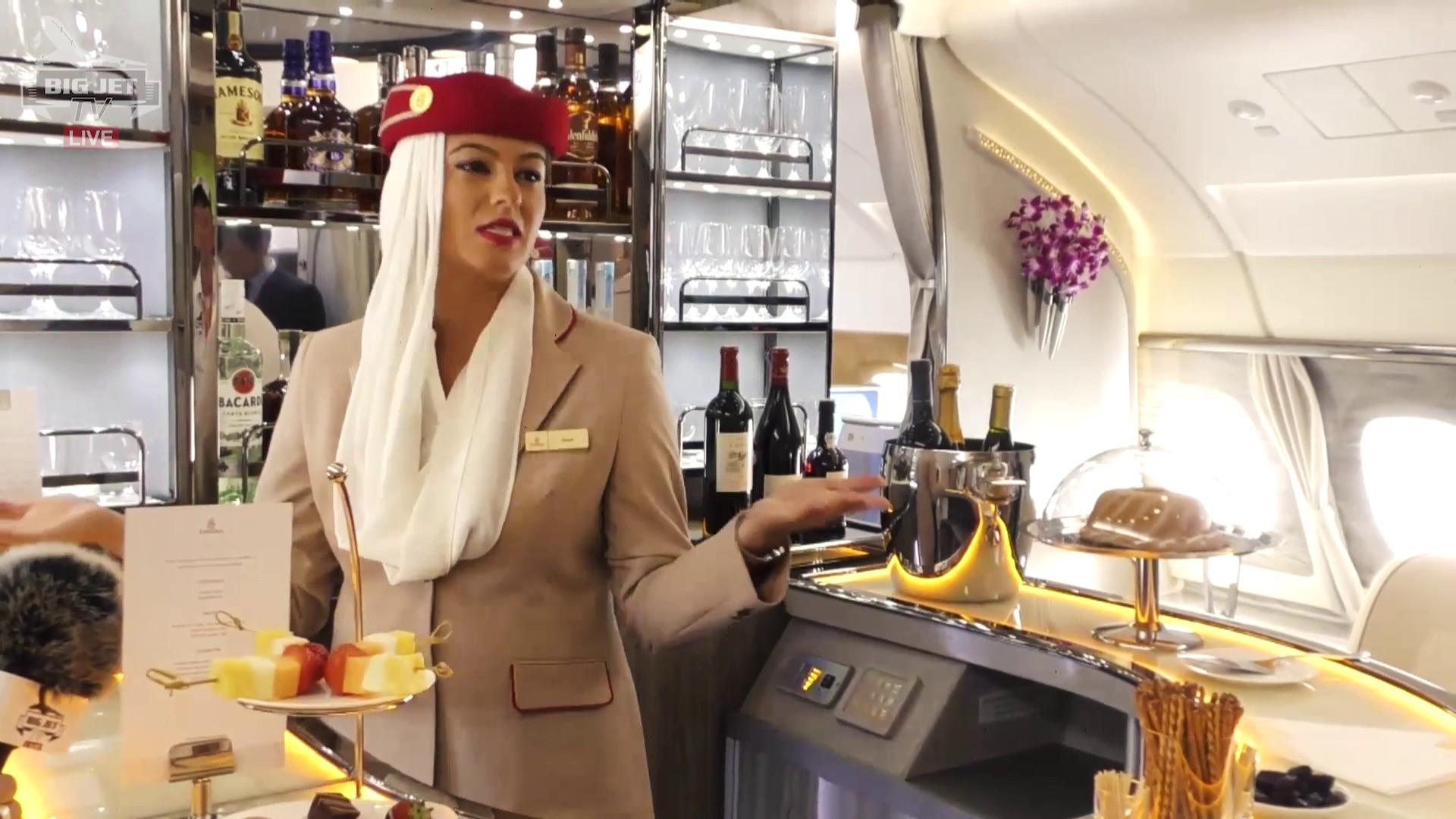 ILA: Führung durch die Emirates A380