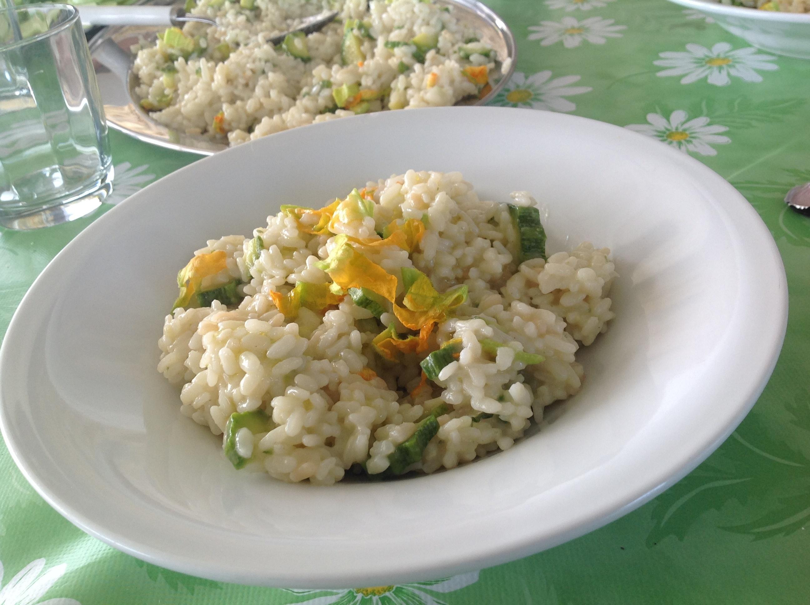Weißes Risotto mit Zucchini