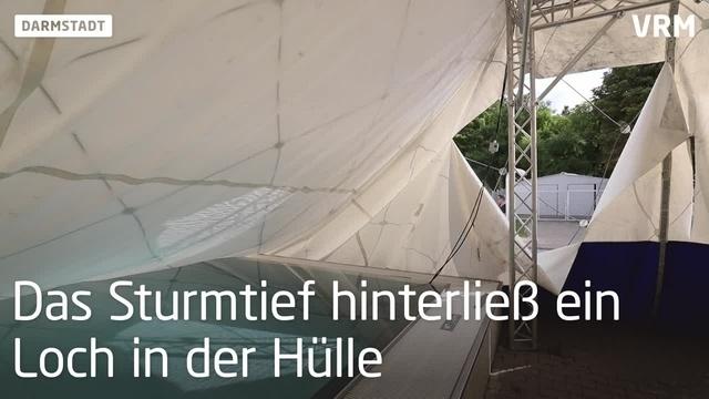 Darmstadt: Sturmtief Mortimer beschädigt Traglufthall