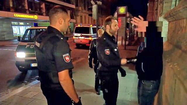 Durch die Nacht mit der Polizei