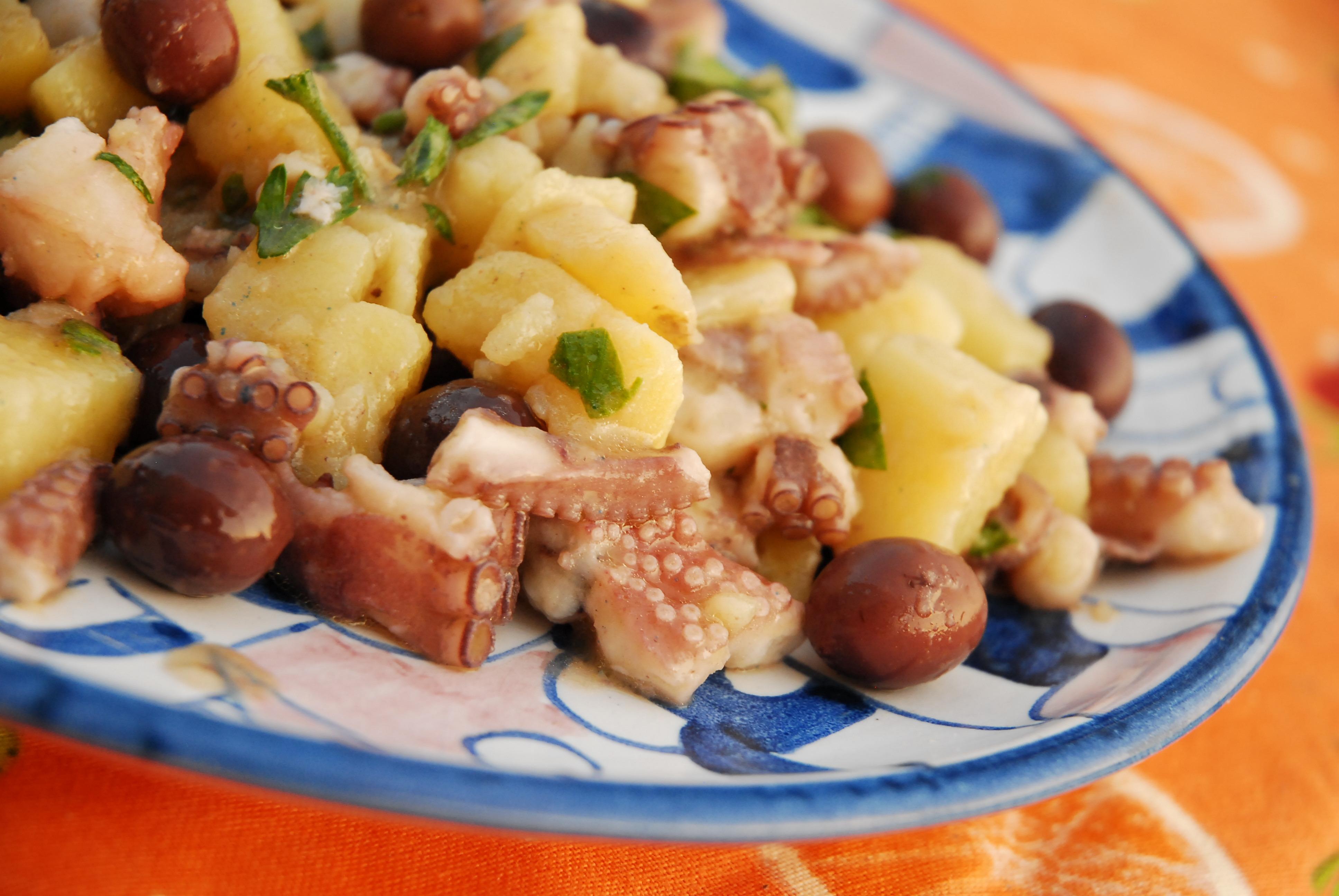 Tintenfischsalat mit Kartoffeln