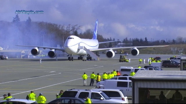Erstflüge der Boeing 747-8