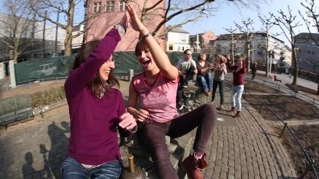 Kruschel tanzt zu