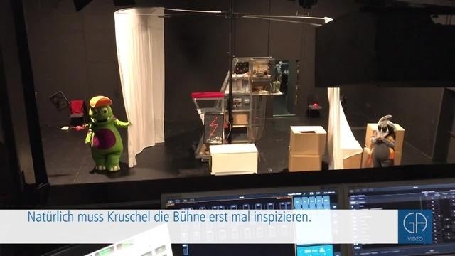 Zeitungsmonster Kruschel besucht Thea, die Theatermaus