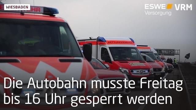 Unfall mit mehreren Fahrzeugen auf der A3