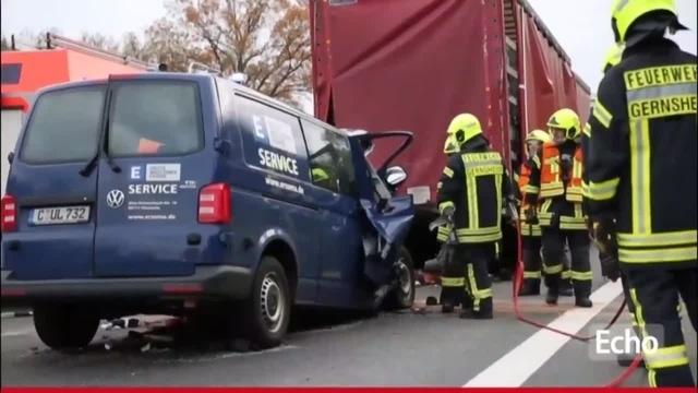 Ein Toter bei Unfall auf der A 67