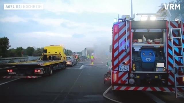Hochheim: Schwerer Verkehrsunfall auf A671