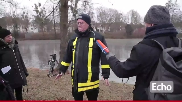 Eisrettungs-Übung der Feuerwehr in Darmstadt