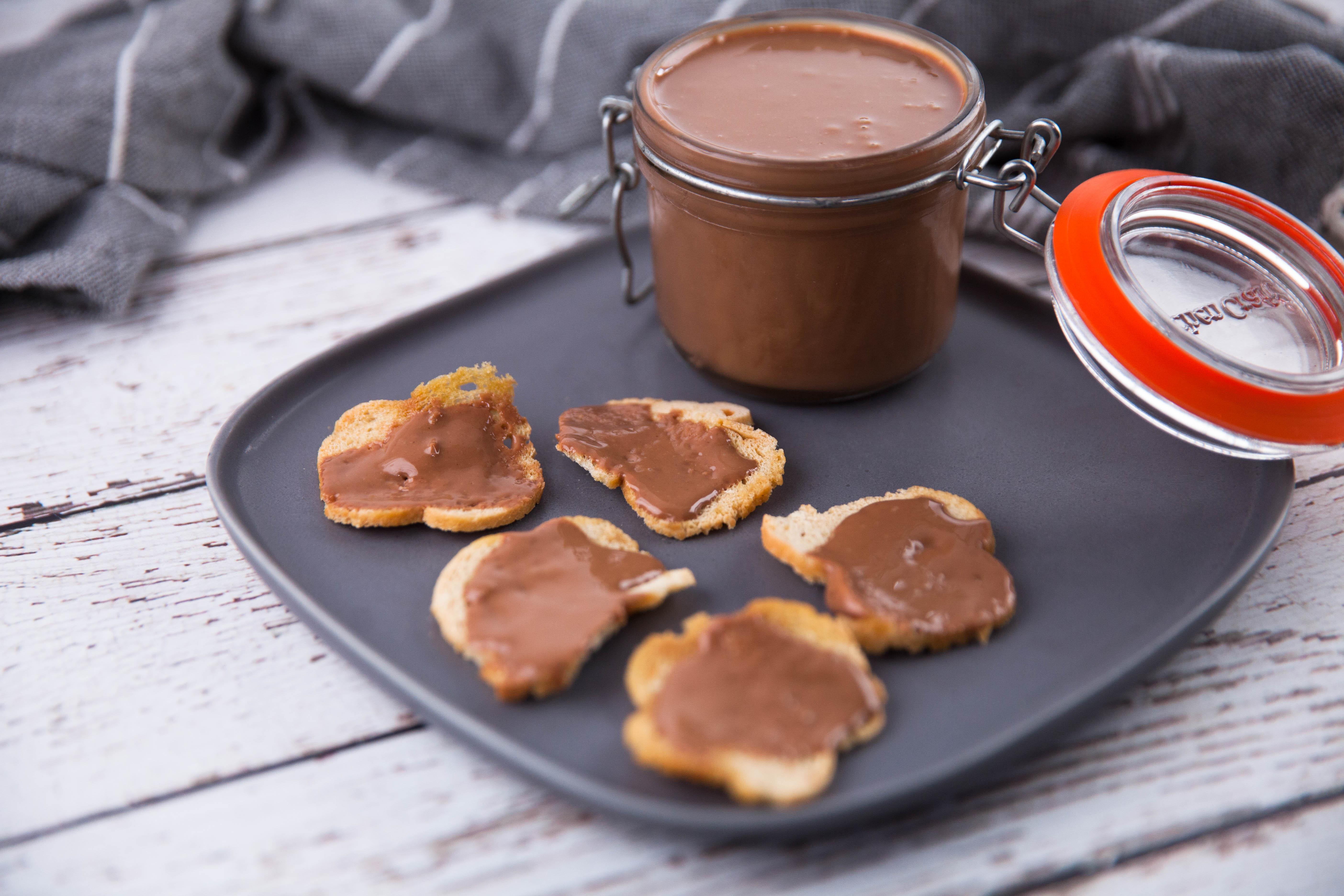 Schokoladen-Haselnuss-Aufstrich