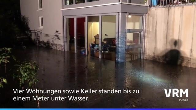 Wiesbaden: Rohr nicht dicht - Wohnungen unter Wasser