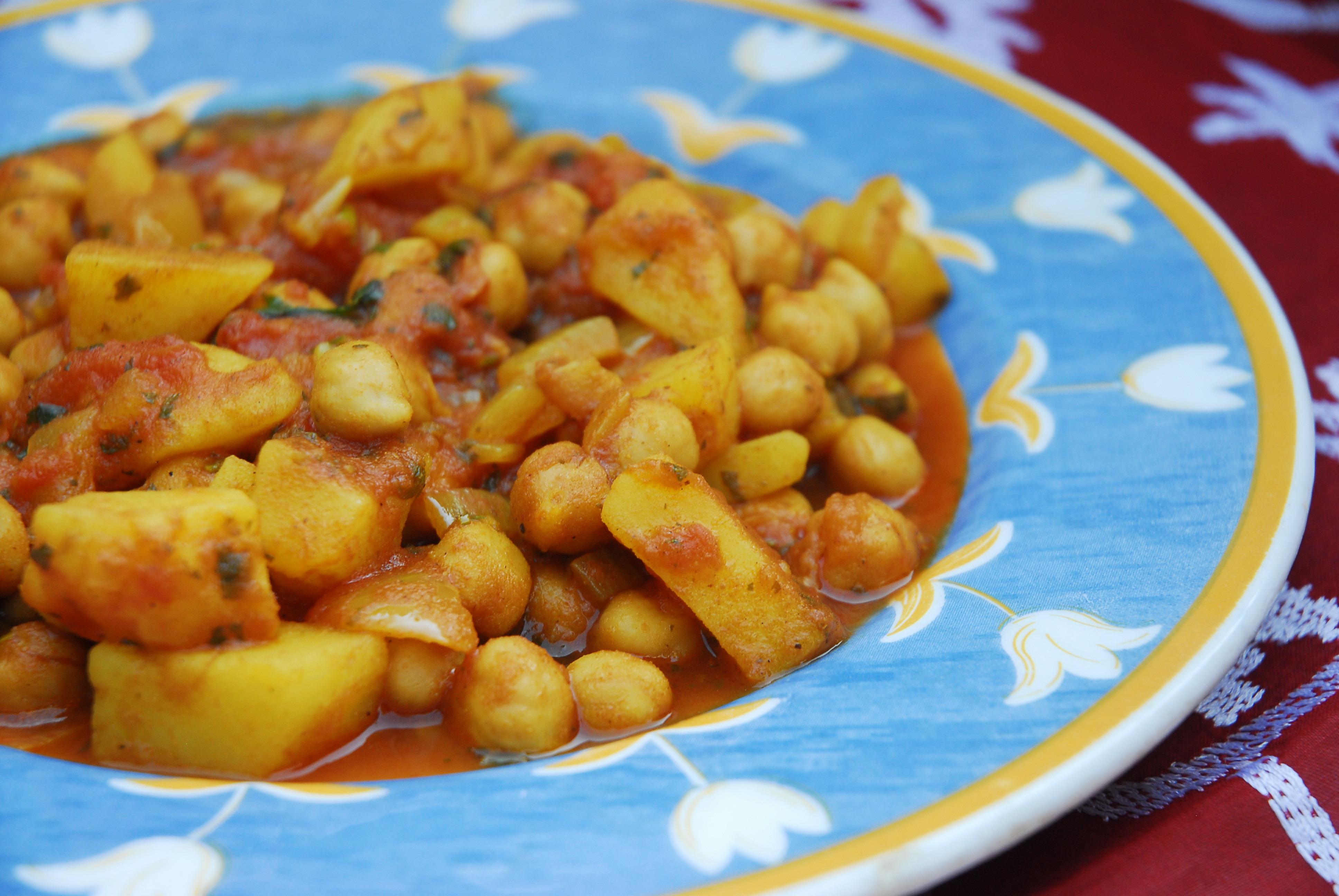 Kichererbsen und Kartoffel Curry