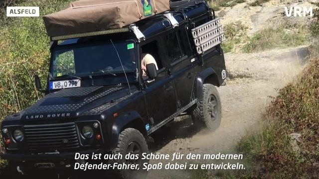 Mit dem Land Rover Defender durch das Gelände