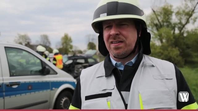 Oestrich: Schwerer Unfall auf B42