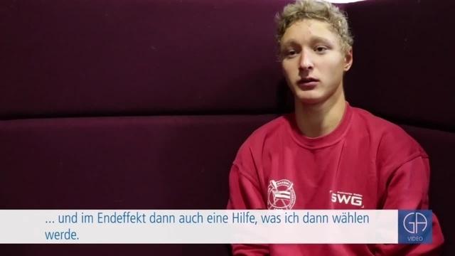 Schüler der Gesamtschule Gießen-Ost testen den Wahl-O-Maten