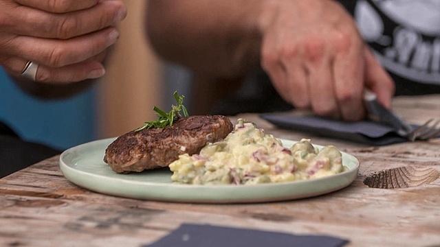 Berliner Bulette mit Kartoffelsalat InExtremo