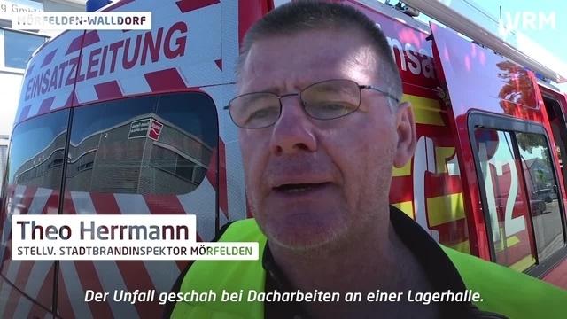 Mörfelden-Walldorf: Bauarbeiter fällt durch Deckenlicht