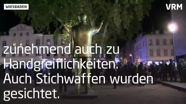 Abbau der Erdogan-Statue in Wiesbaden