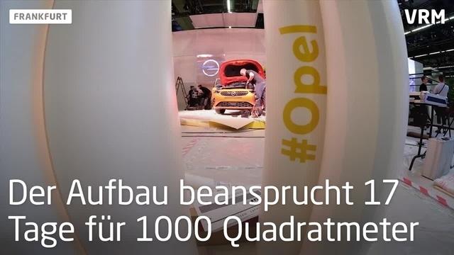Aufbau des Opel-Standes auf der IAA
