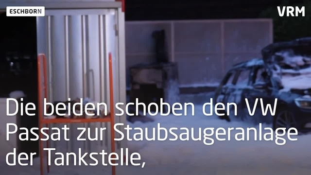 Eschborn: Auto brennt an Tankstelle aus