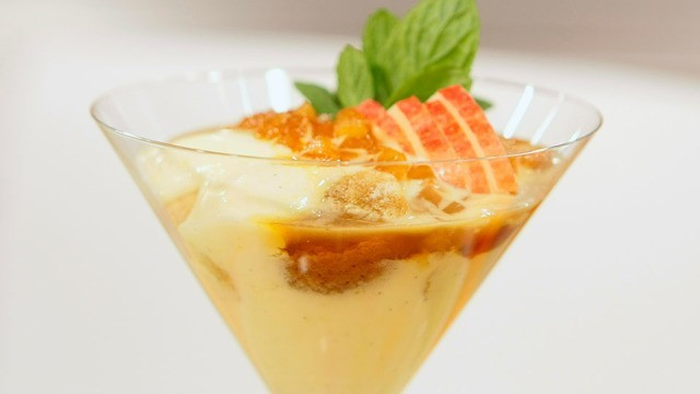 Zitronen-Quark-Schaum mit Karamell-Apfel-Gelee