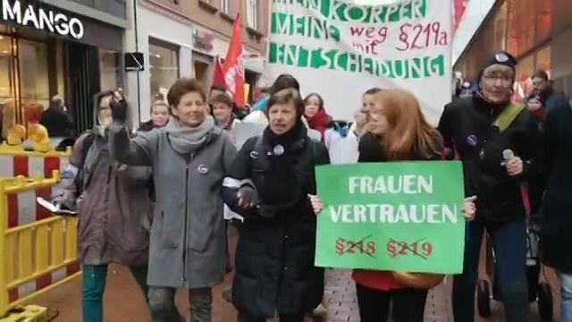 Demonstration gegen Paragraf 219a