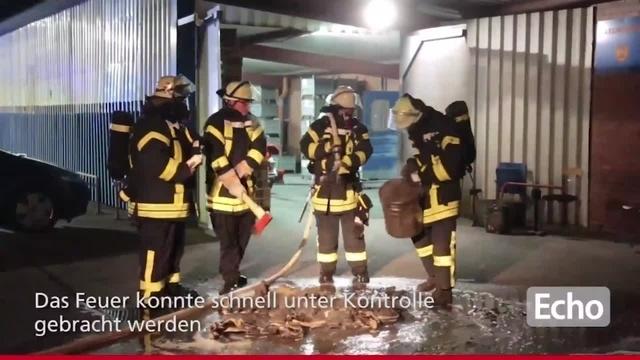 Brand auf dem Gelände eines Metallbaubetriebs in Lampertheim
