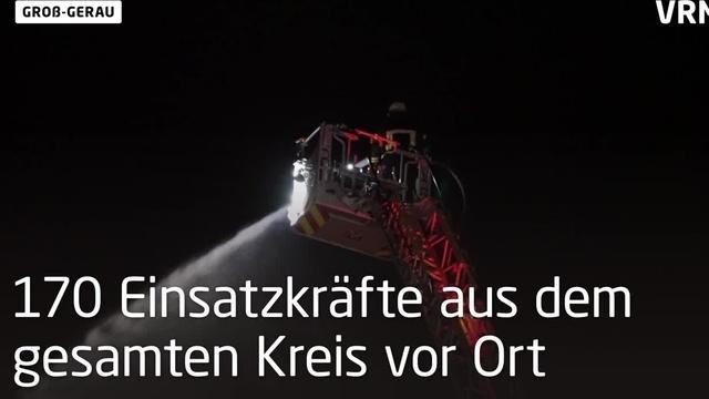 Lagerhalle in Groß-Gerau bei Großbrand zerstört