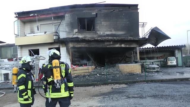 Feuerwehr löscht Brand im Limburger Gewerbegebiet