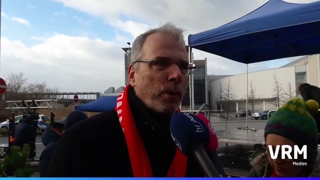 Warnstreik bei Opel in Rüsselsheim